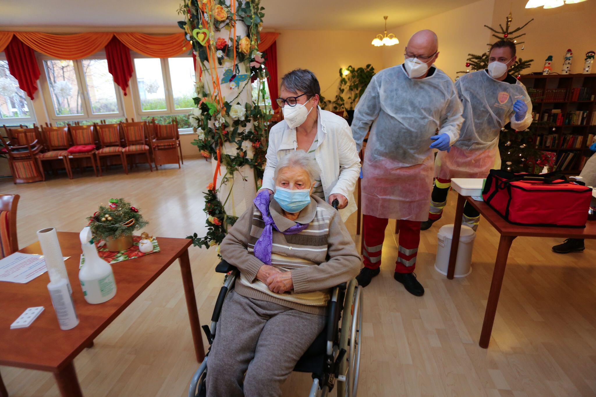 Bild zu Coronavirus - Impfbeginn Sachsen-Anhalt