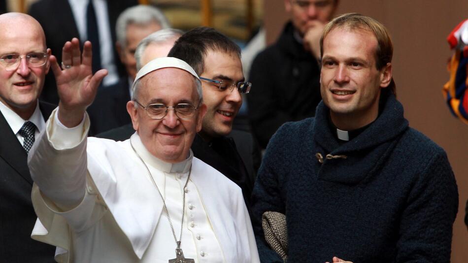 Gonzalo Aemilius, Privatsekretär, Papst Franziskus, Vatikan