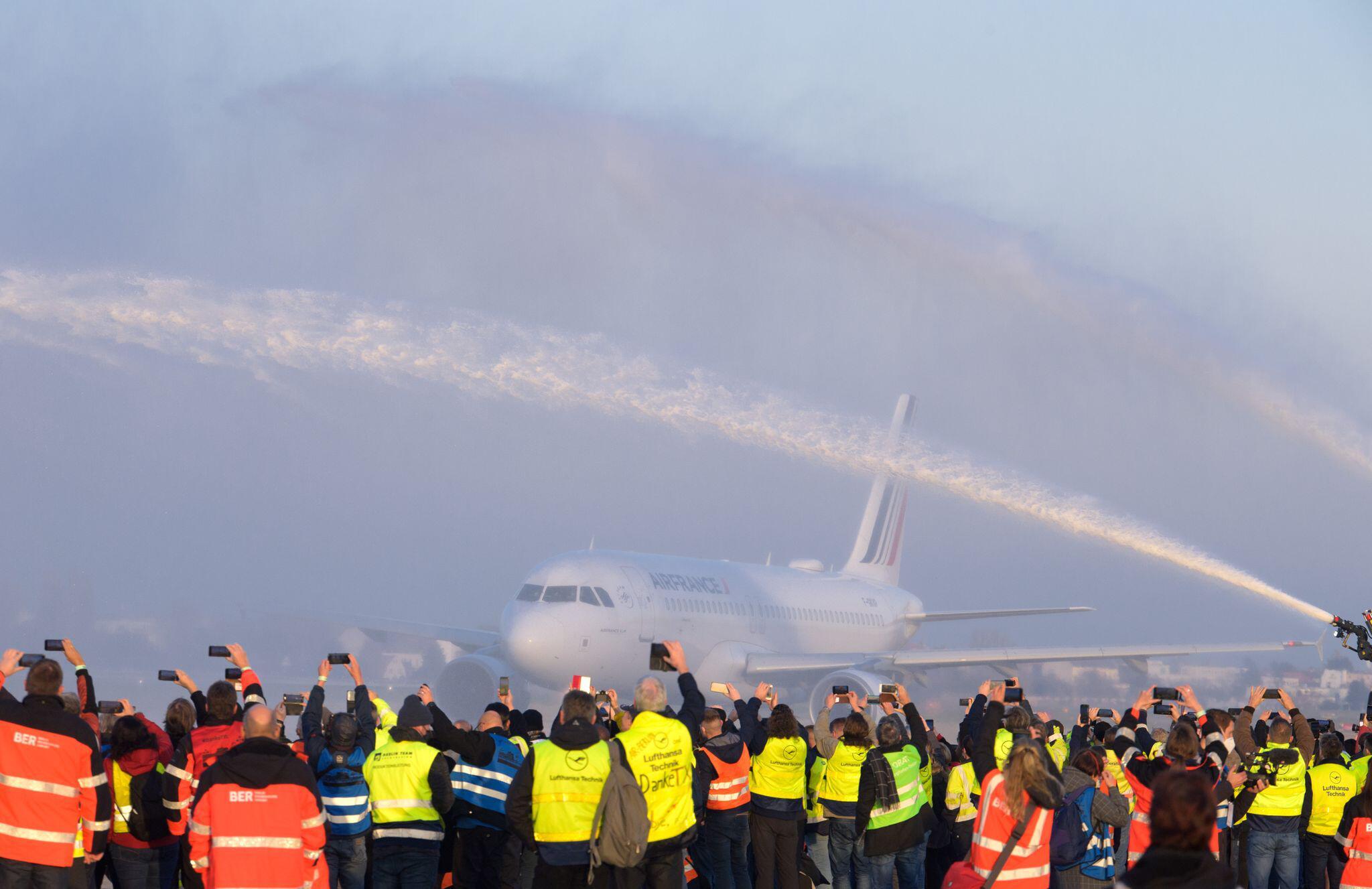 Bild zu Letztes Flugzeug startet von Tegel nach Paris
