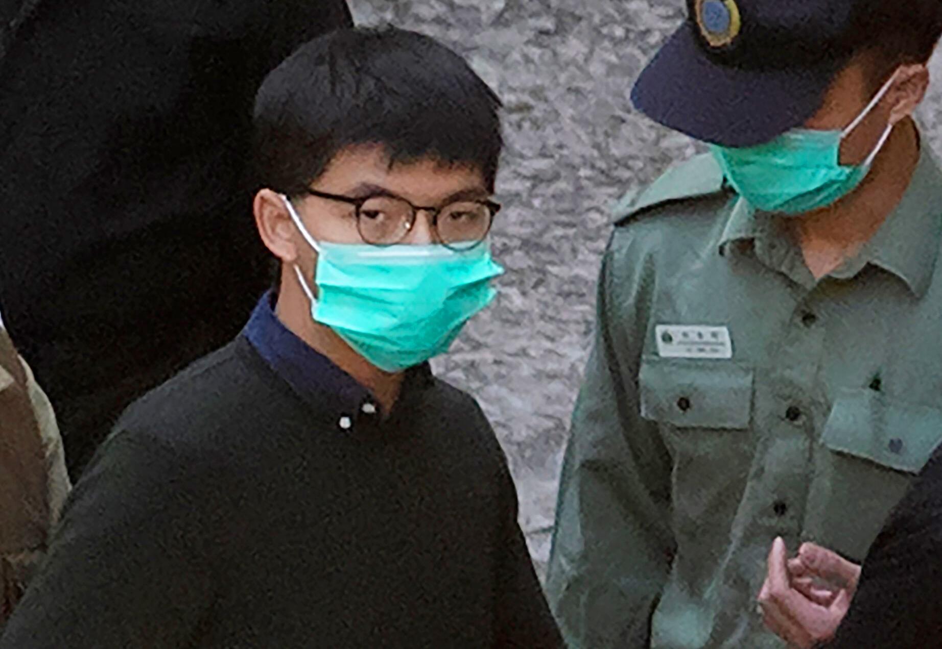 Hongkonger Aktivist Joshua Wong zu Haftstrafe verurteilt