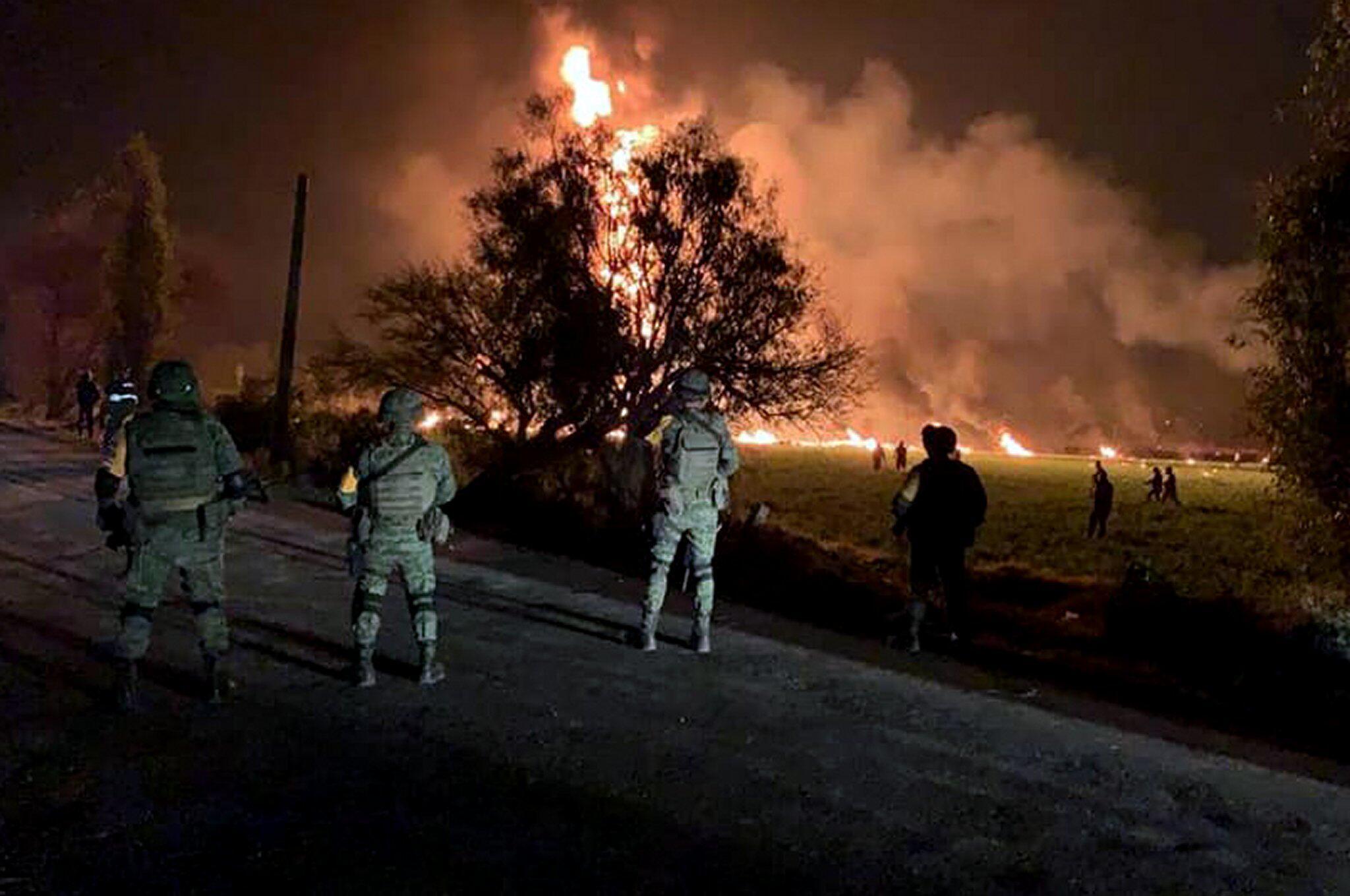 Unglück in Mexiko - Mehr als 60 Tote nach Explosion an Benzin-Pipeline