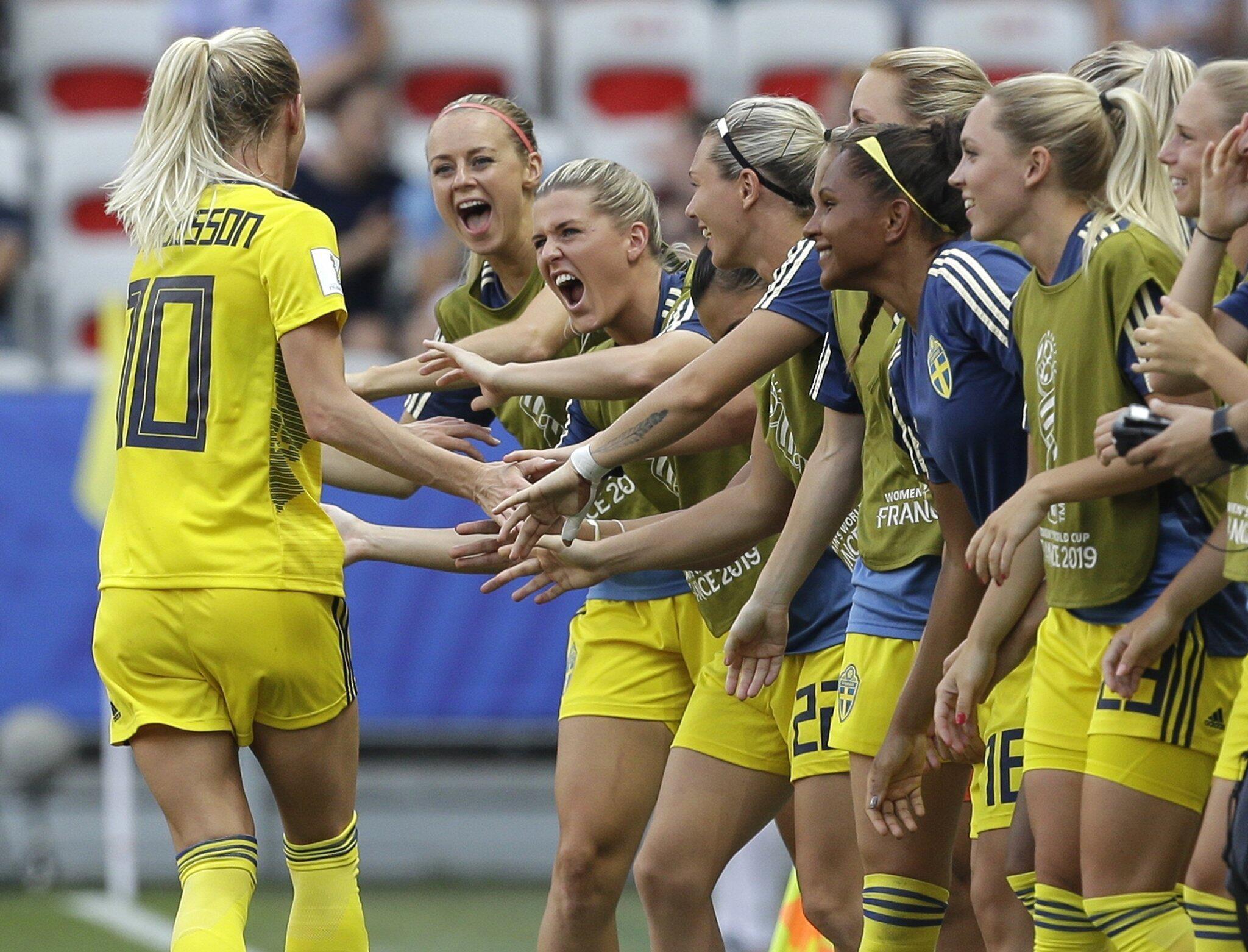 Bild zu Frauenfußball-WM - England - Schweden