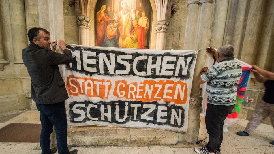Flüchtlinge im Regensburger Dom