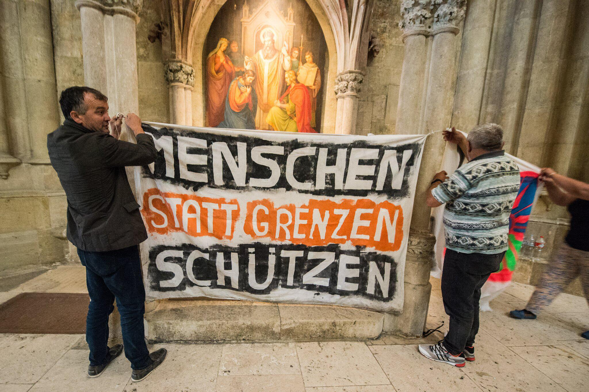 Bild zu Flüchtlinge im Regensburger Dom