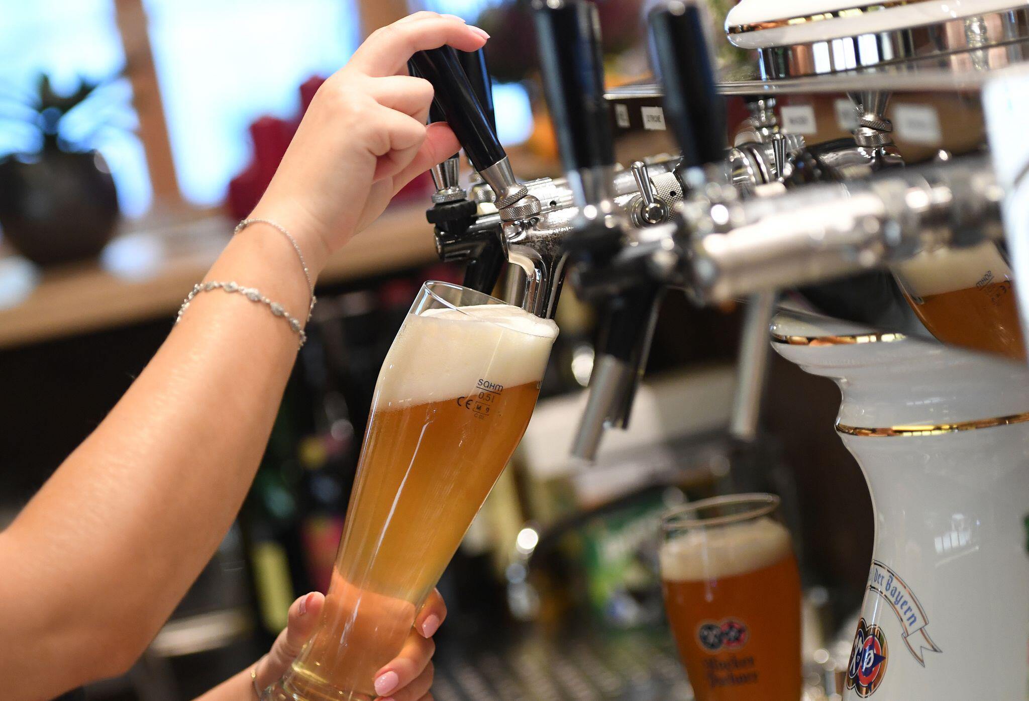 Bild zu Betriebe müssen Bier loswerden