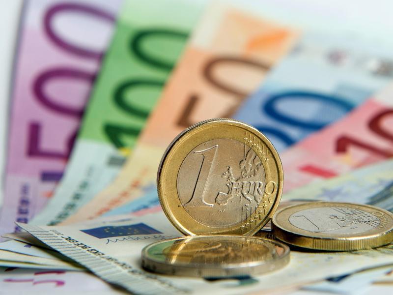 Bild zu Zahlreiche Euro-Banknoten