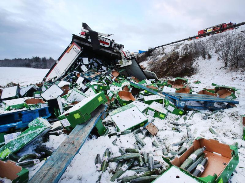Bild zu Lkw-Unfall