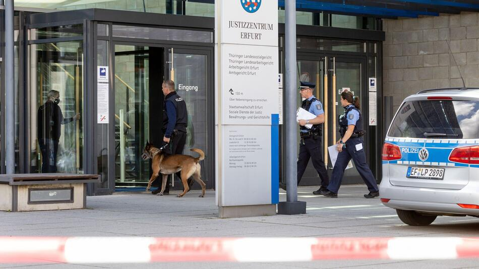 Bombendrohung, Justizzentrum, Erfurt, Sprengstoffspürhund