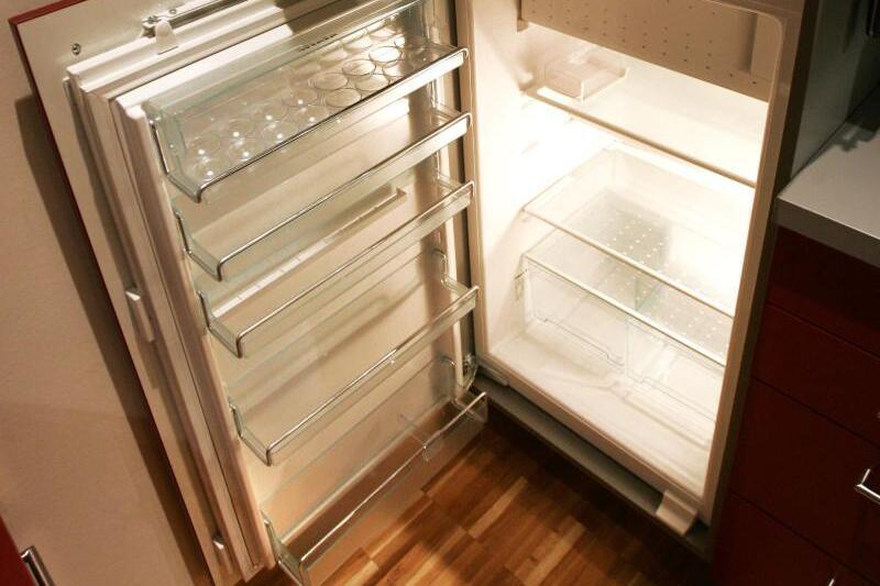Kühlschrank Xl : Verstaubte lüftungsgitter am kühlschrank erhöhen strombedarf web