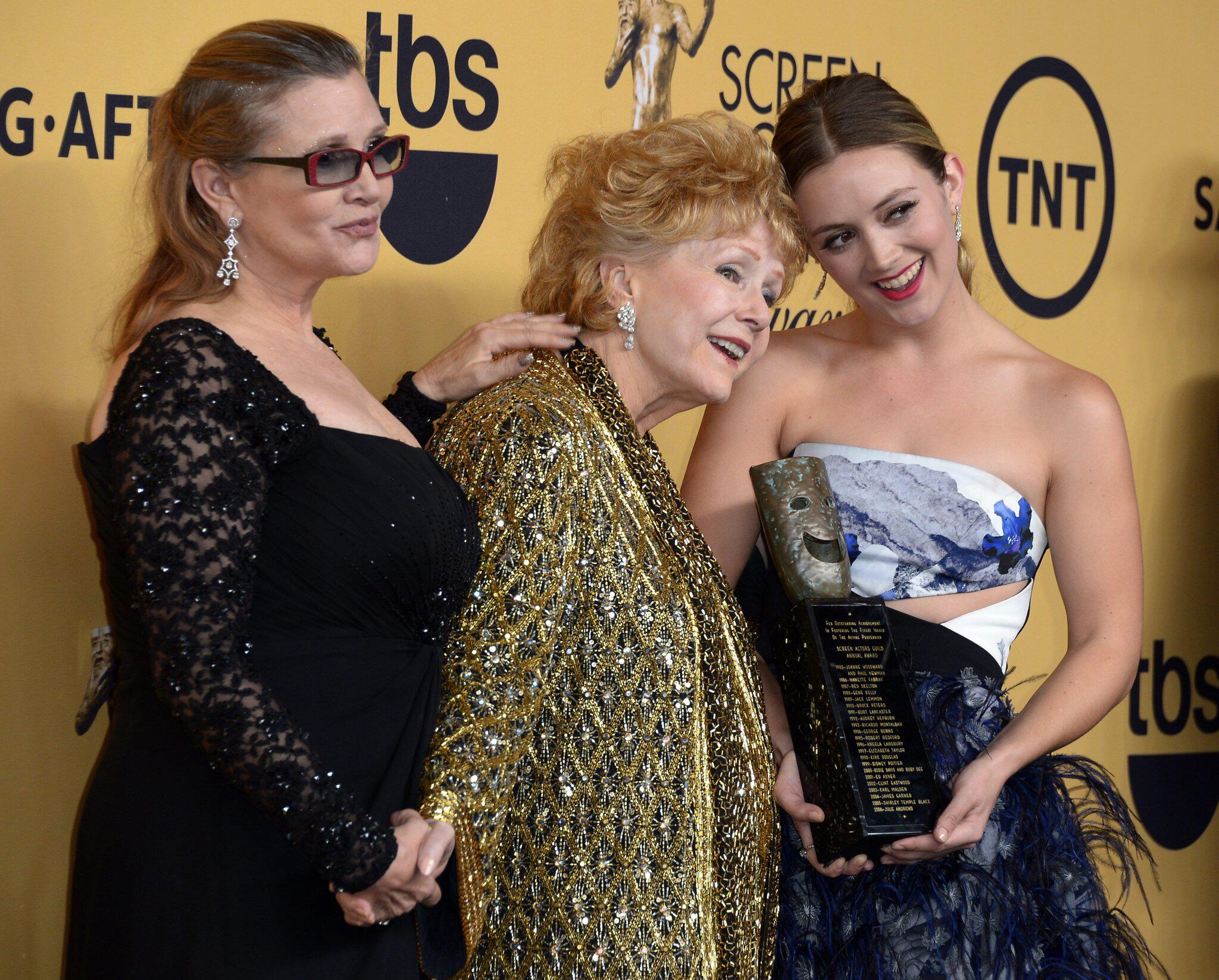 Bild zu Billie Lourd, Carrie Fisher, Debbie Reynolds