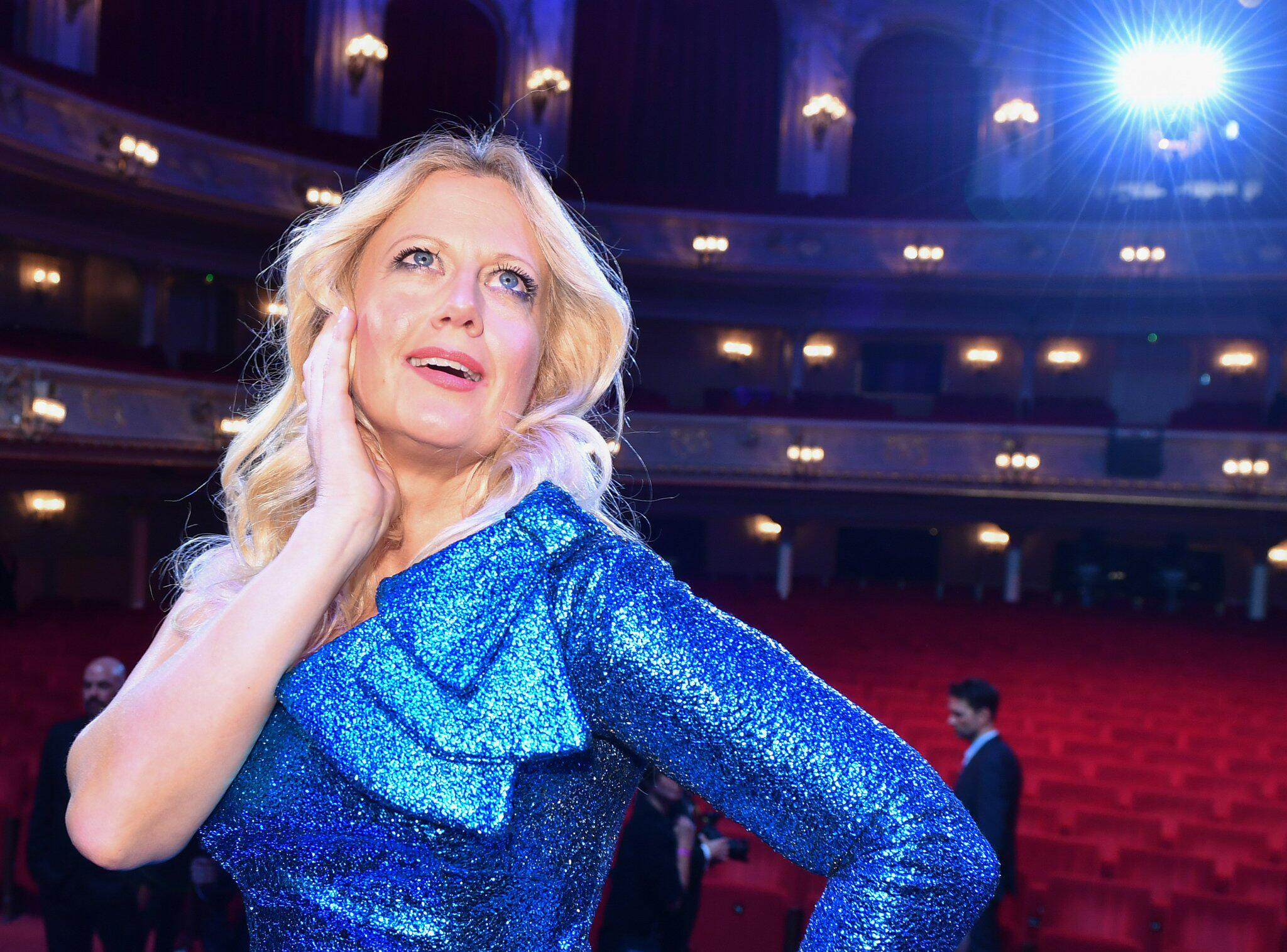 Bild zu Entertainerin Barbara Schöneberger