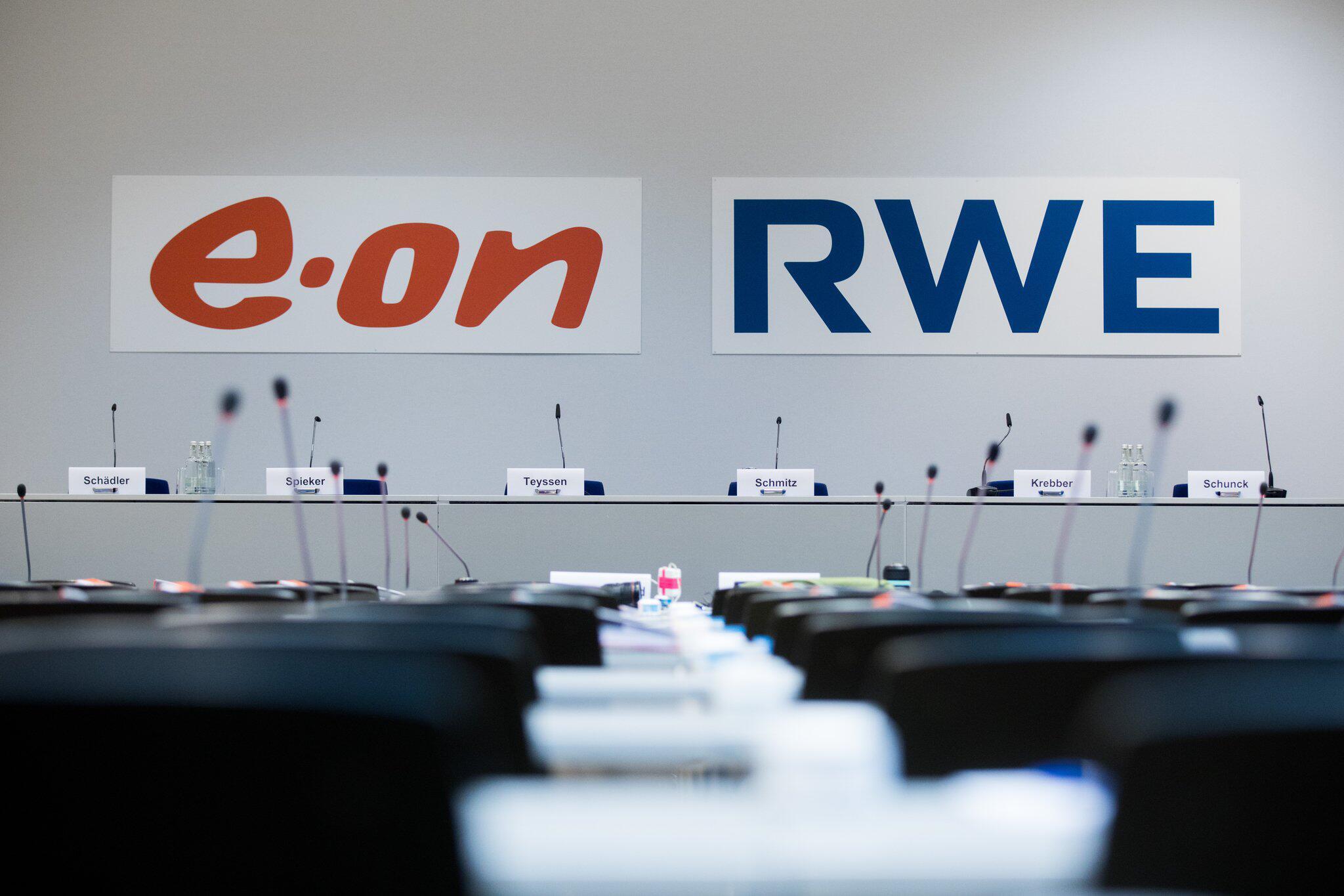 Bild zu Pressekonferenz von RWE und E.ON