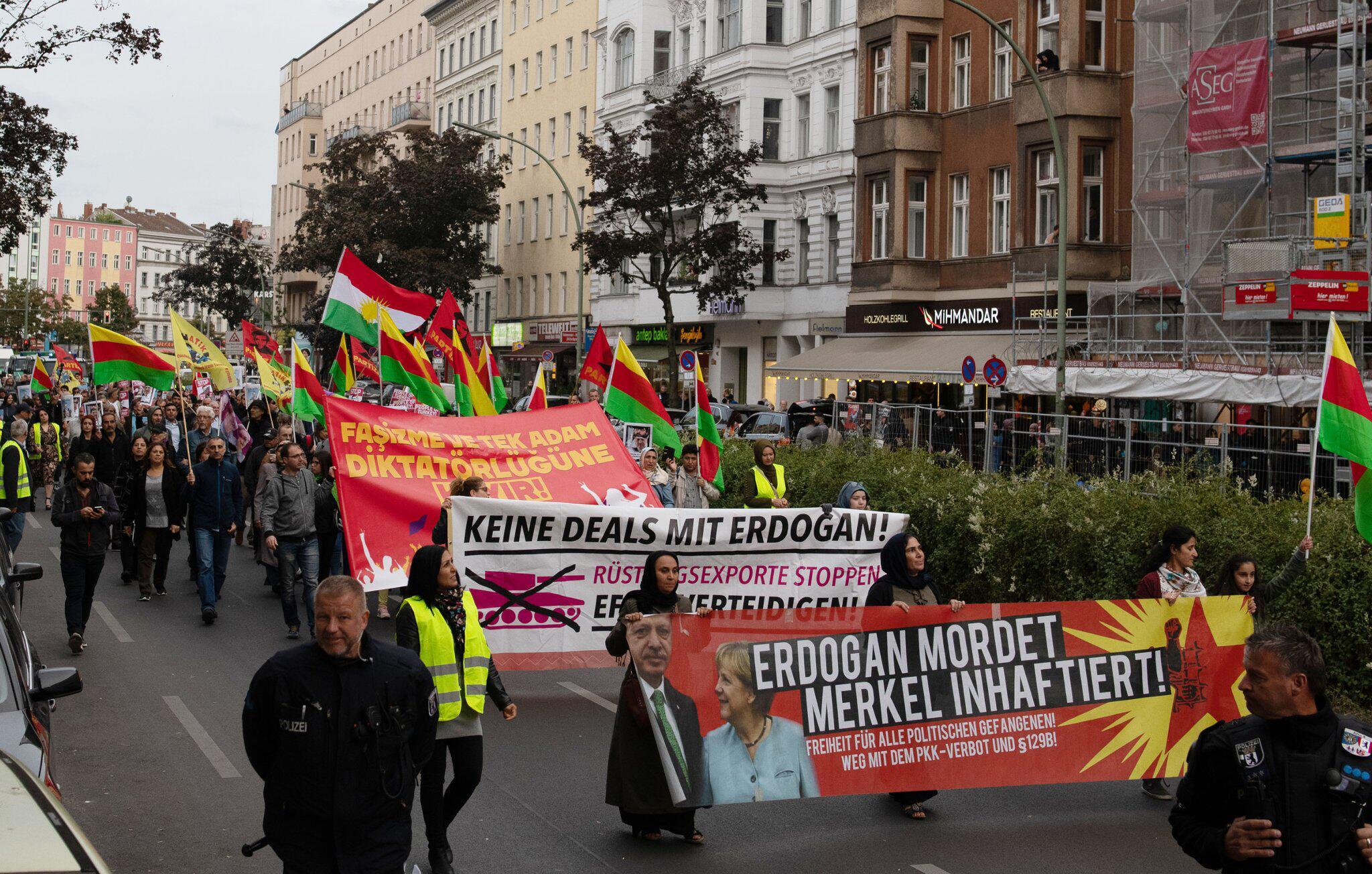Bild zu Demonstrationen gegen Erdogan