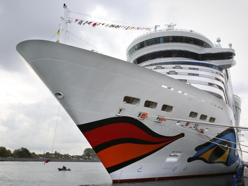 Bild zu Kreuzfahrtschiff in Rostock