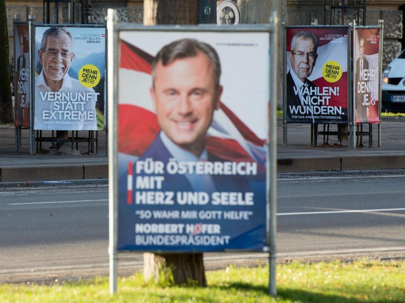 Bild zu Wahlplakate