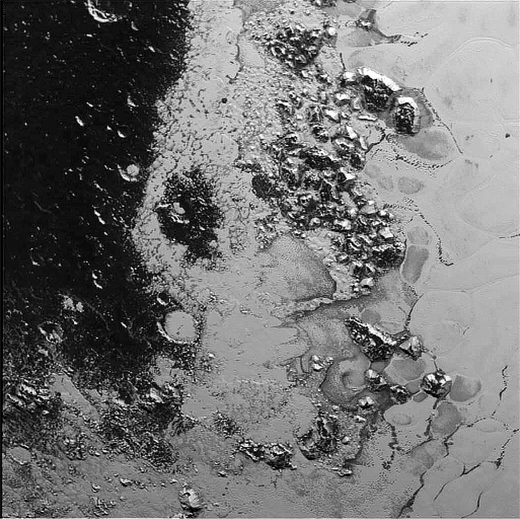 Bild zu Zerklüftete Berglandschaft in der Pluto-Region Tombaugh