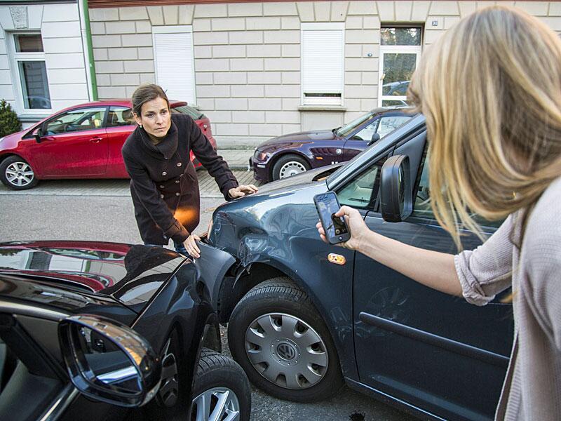 Bild zu Fotos vom Schaden und der Unfallstelle
