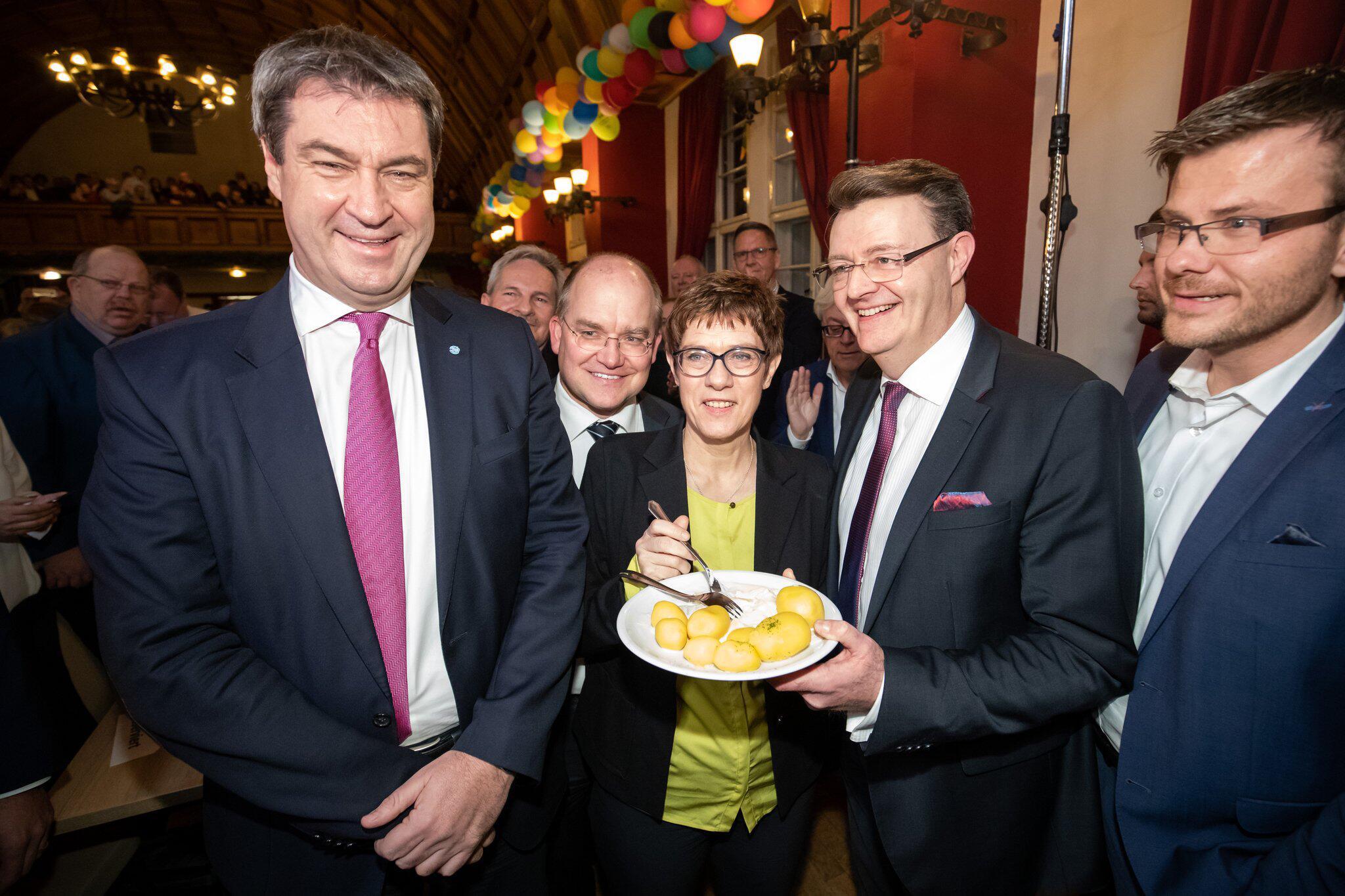 Bild zu 44. politisches Fischessen der CSU Nürnberg