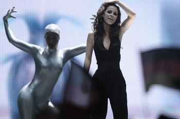 Bild zu Avelina Boateng, Lena Meyer-Landrut, Eurovision Song Contest, 2011