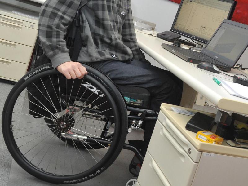 Bild zu Schwerbehinderter auf Arbeit