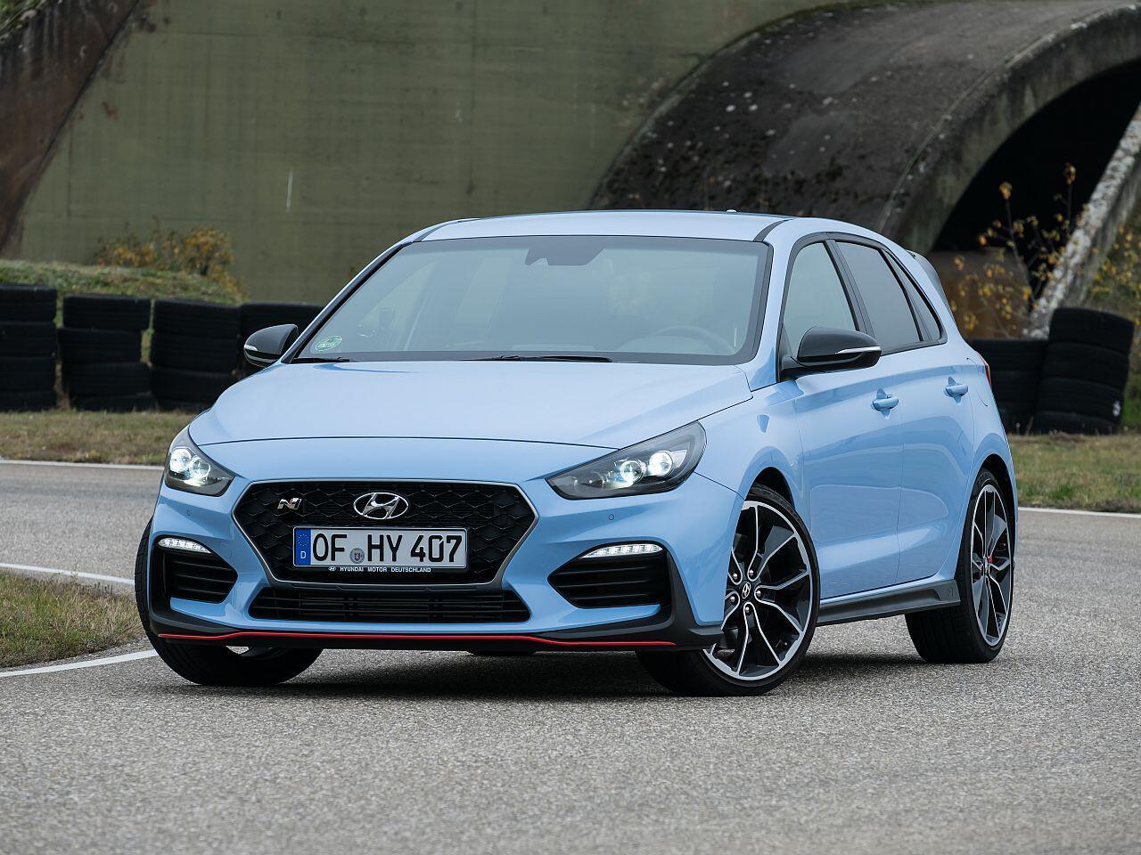 Bild zu Tops: Hyundai