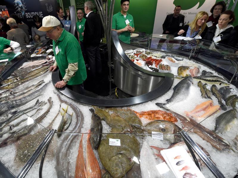 Bild zu Frischfisch an der Theke