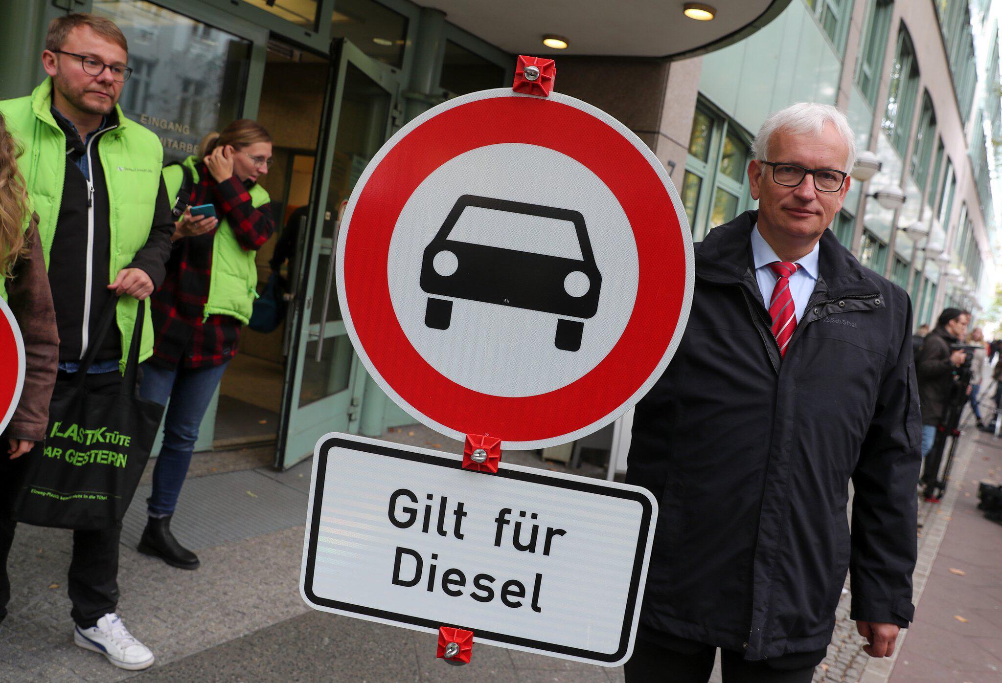 Bild zu Verwaltungsgericht, Berlin, Diesel, Fahrverbot, VDA, Jürgen Resch