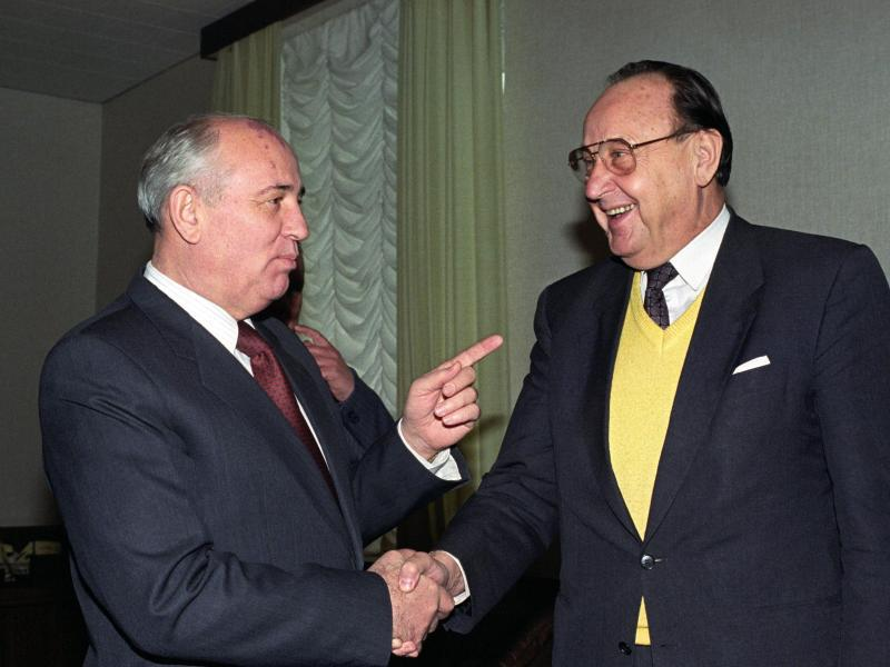 Bild zu Genscher und Gorbatschow
