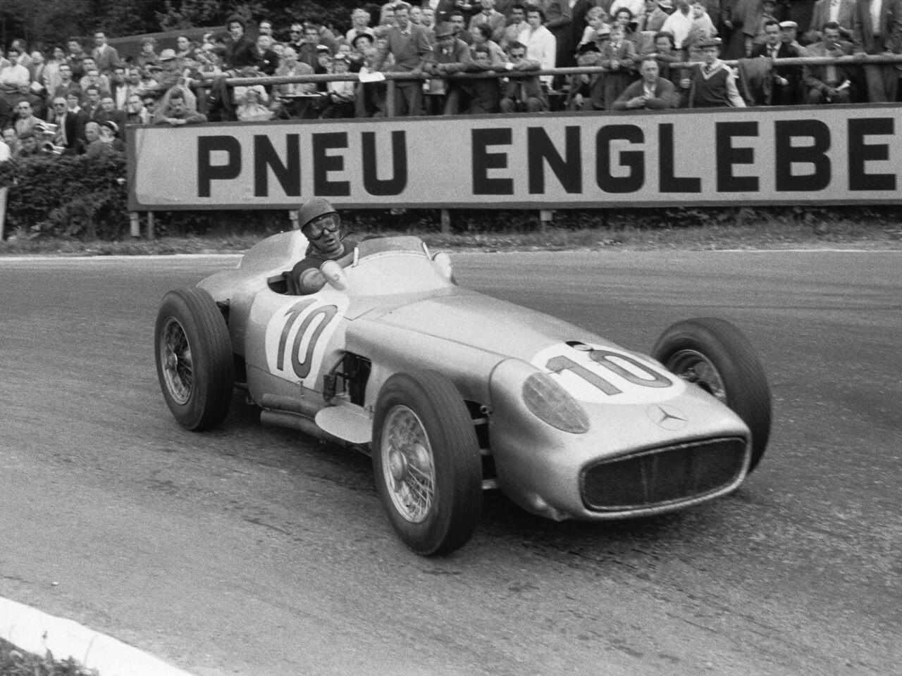 Bild zu Juan Manuel Fangio im Mercedes W 196 R