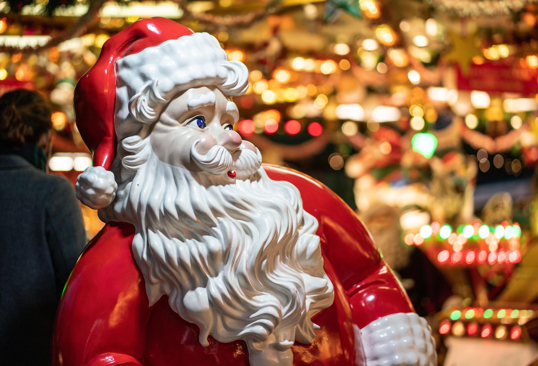 Bild zu Weihnachten, Weihnachtsmarkt, Weihnachtsmann, Nikolaus, Dekoration, Frankfurt am Main