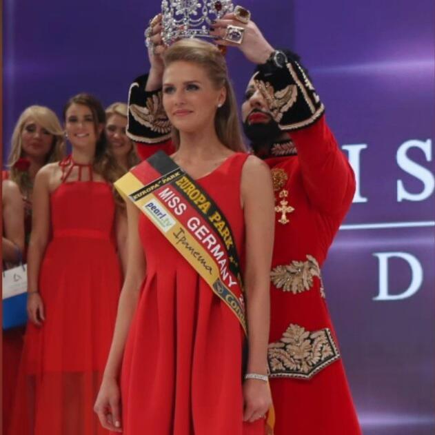 Bild zu Bachelorette 2015 Verteilt Miss Germany bald Rosen im TV