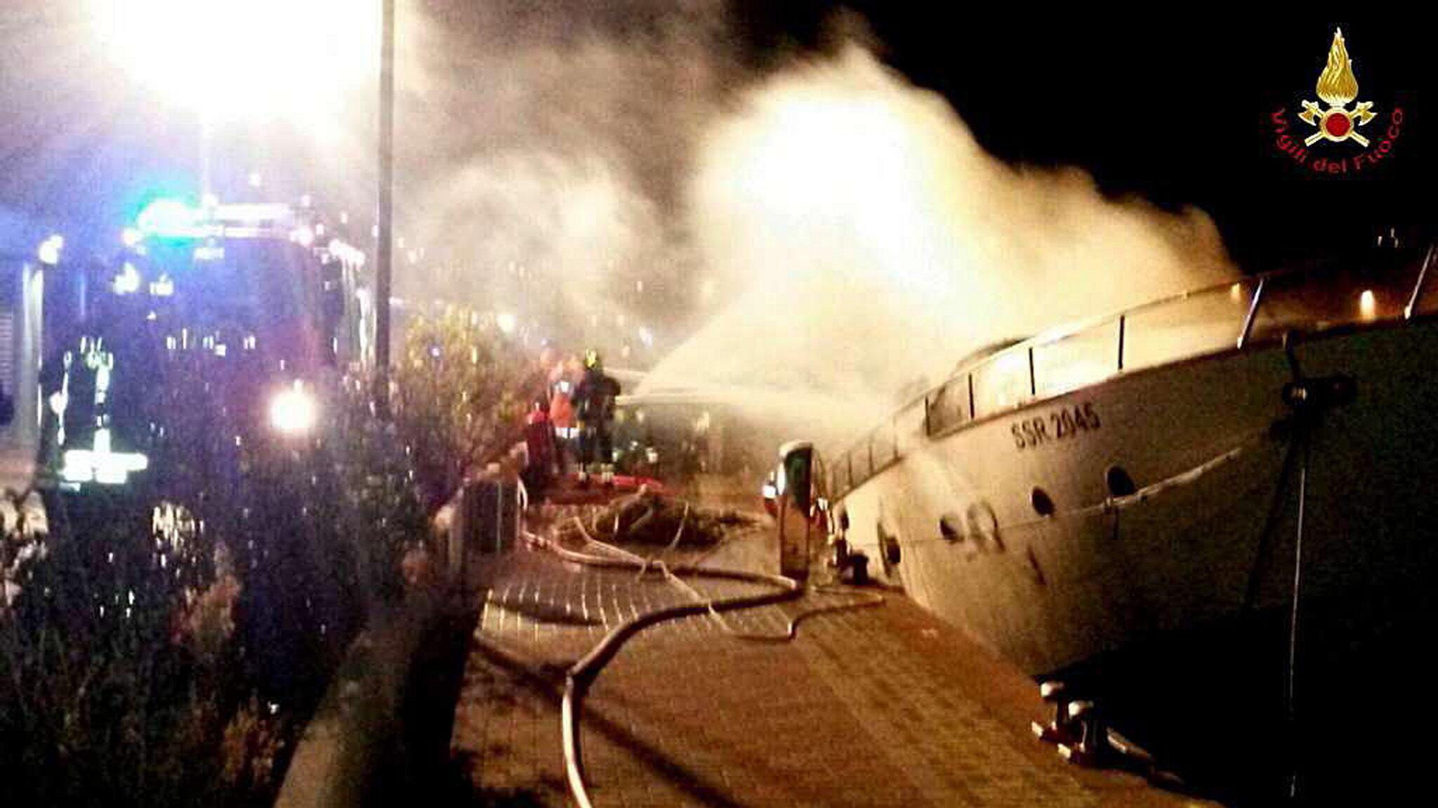 Bild zu Blaze aboard a yacht in Marina di Loano