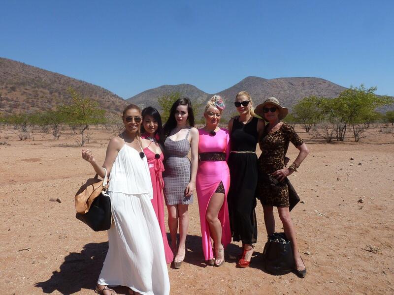 Bild zu Wüstencamp-Kandidatinnen.