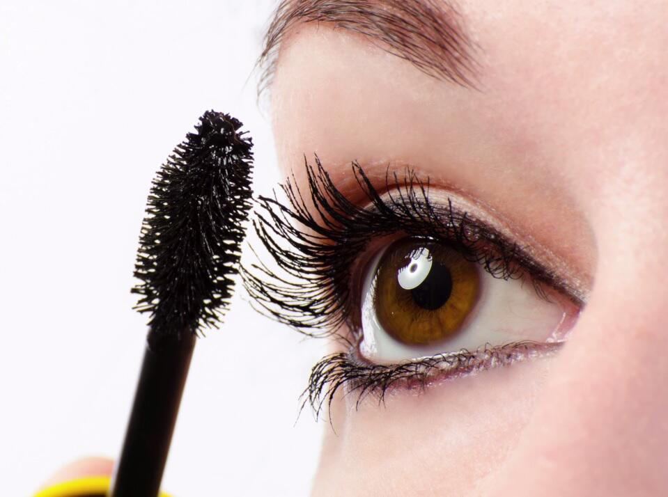 Bild zu Fünf Tipps für schöne Wimpern
