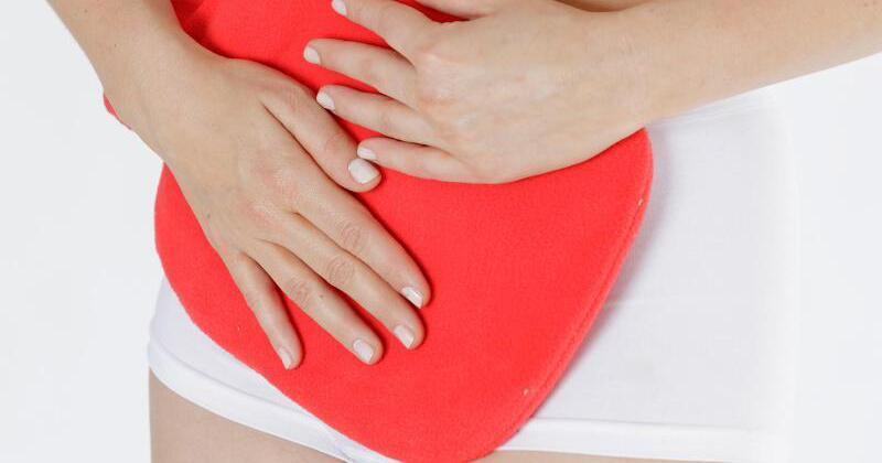 Krampfartige Regelbeschwerden können auf Myome hinweisen