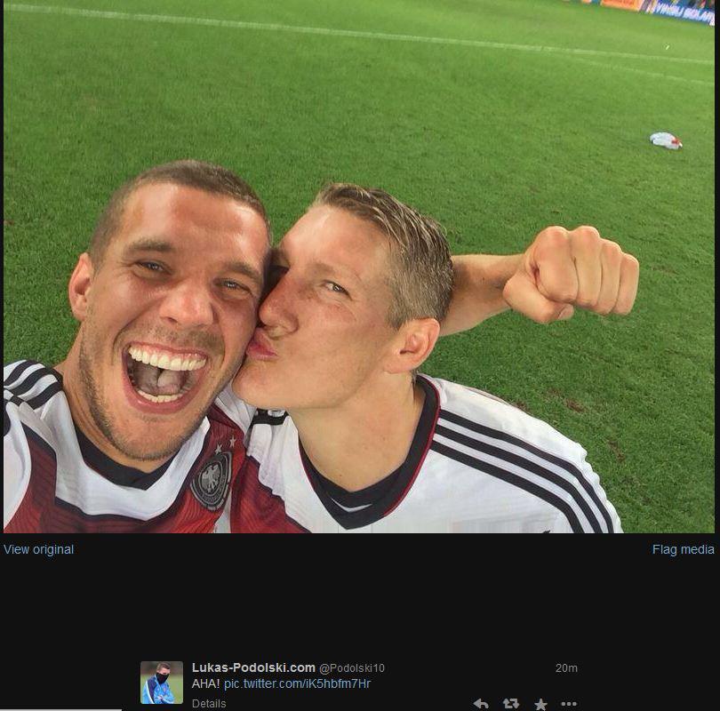 Bild zu Der Weltmeister-Selfie