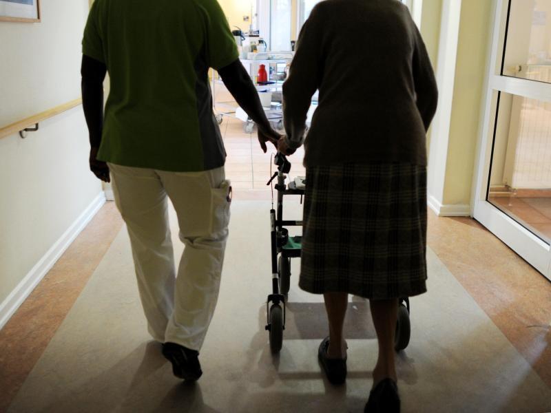 Bild zu Pflege und Lebensqualität im Alter