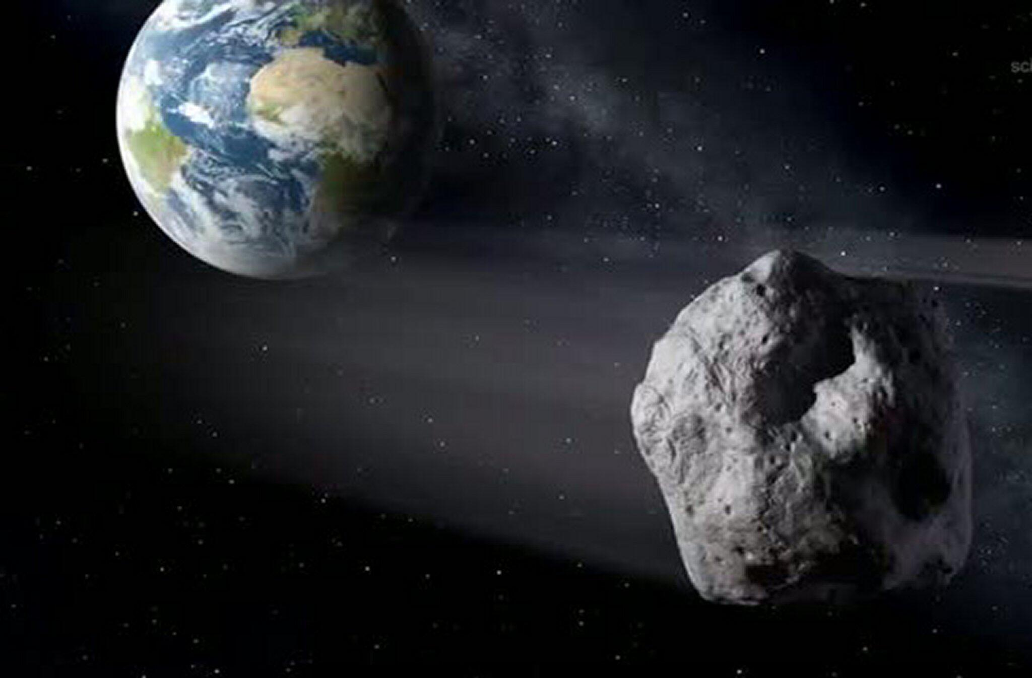 Bild zu Asteroid fliegt an Erde vorbei