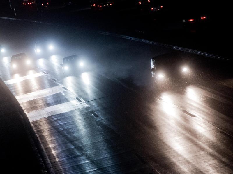 Bild zu Autoverkehr