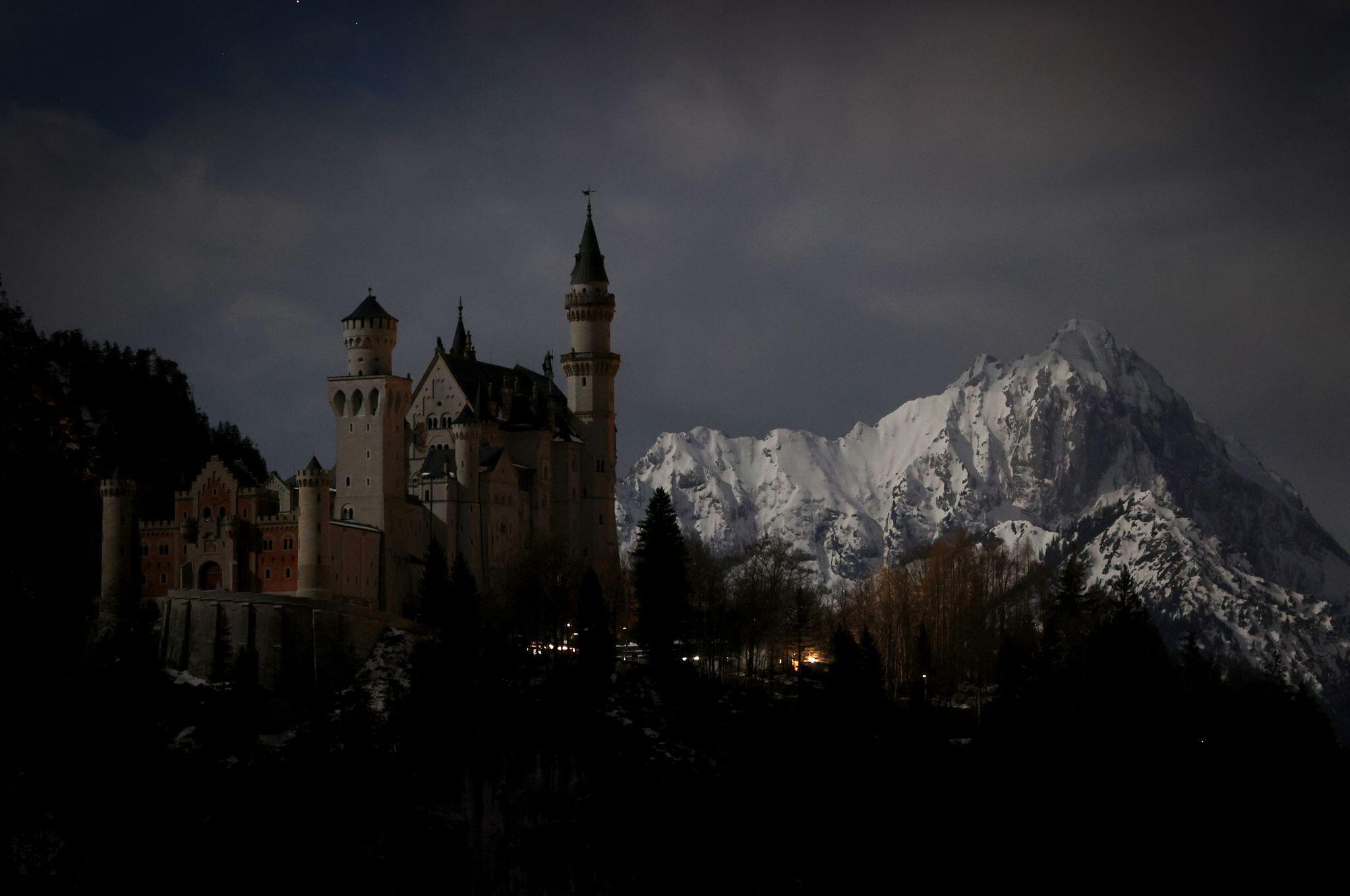 Bild zu Earth Hour - Neuschwanstein