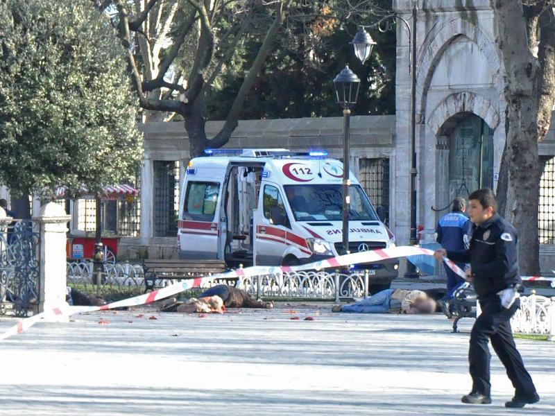 Bild zu Explosion in Istanbul