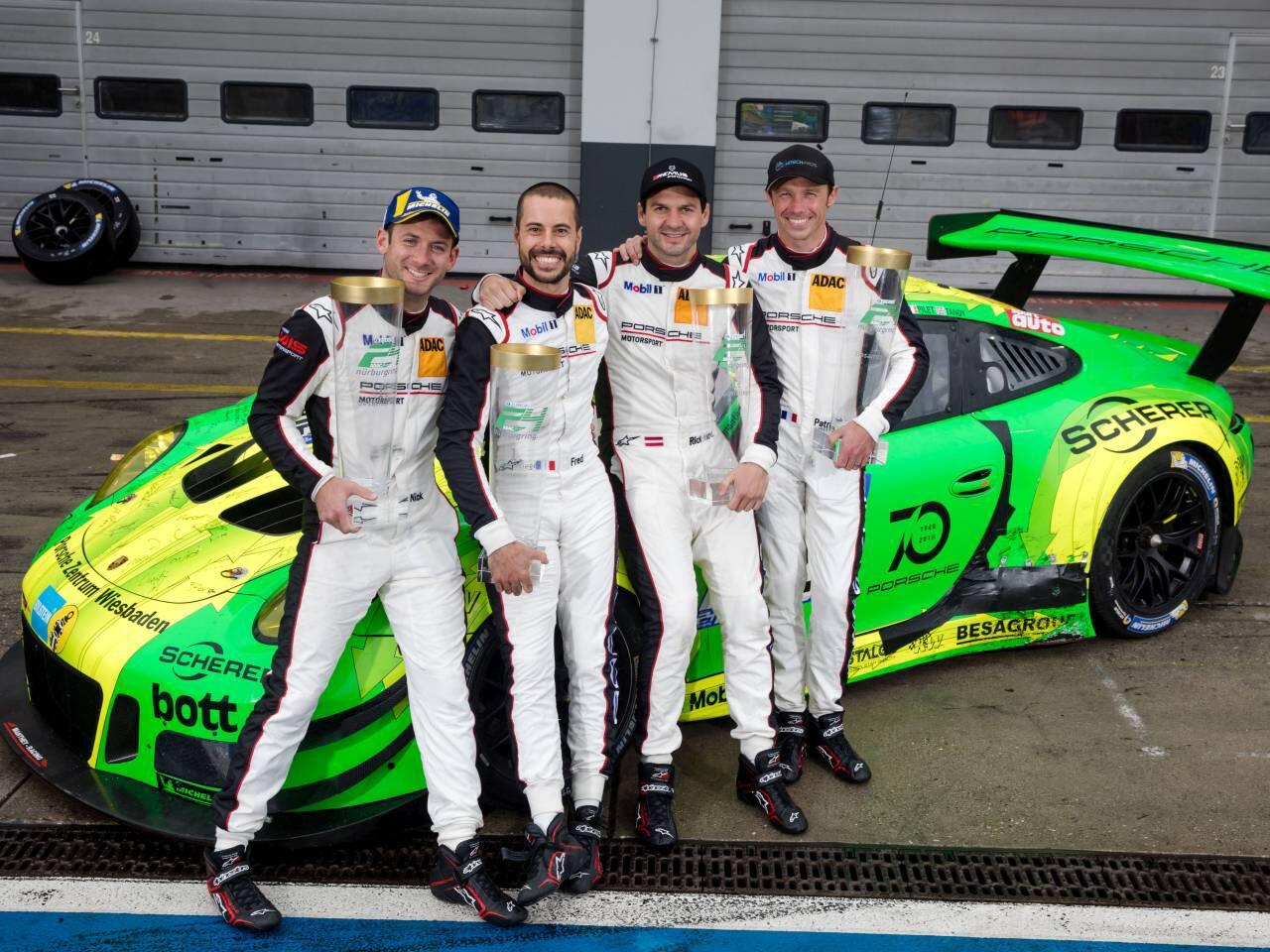 Bild zu Siegermannschaft 24h Nürburgring