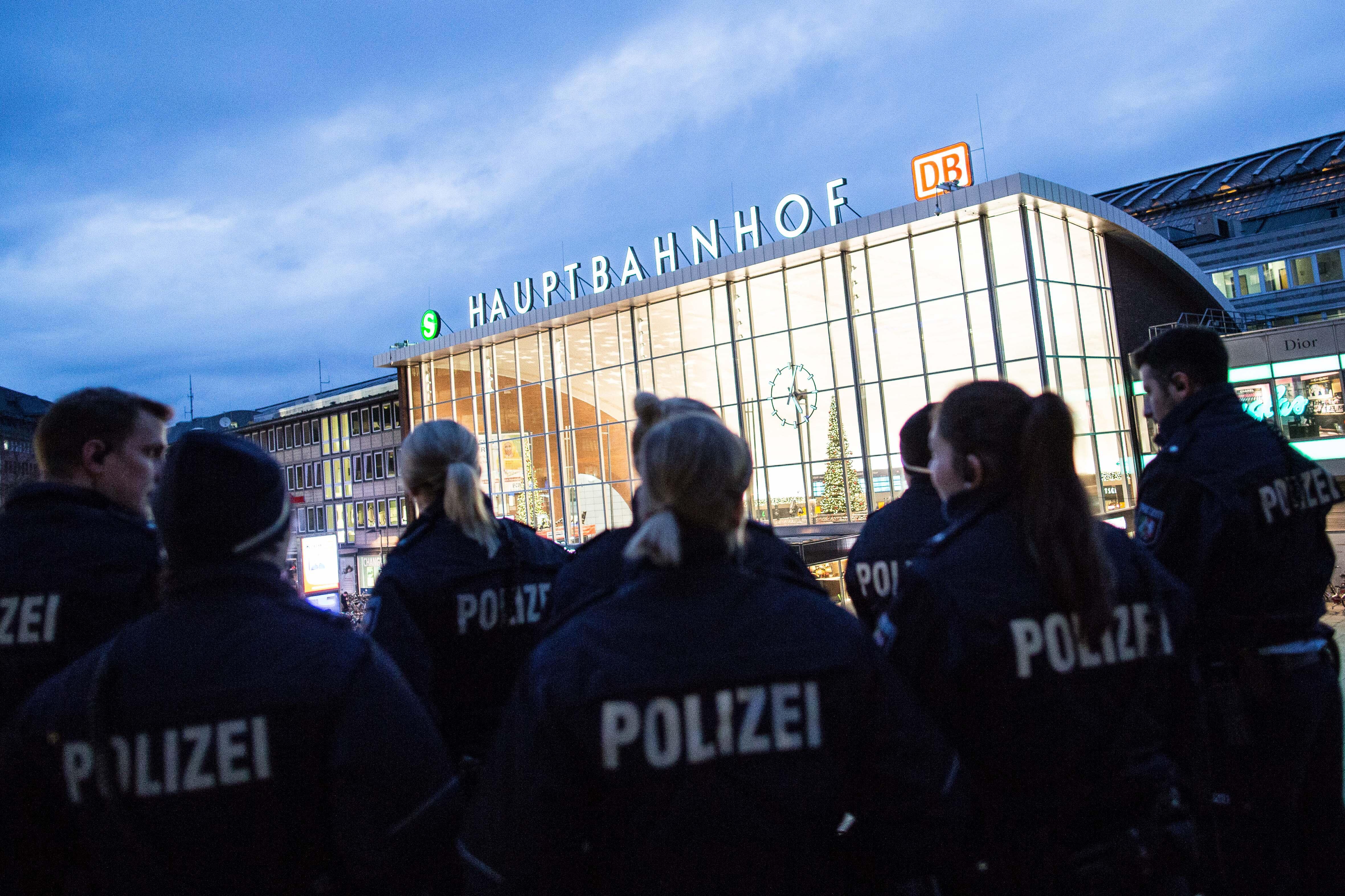 Bild zu Polizei, Köln Hauptbahnhof