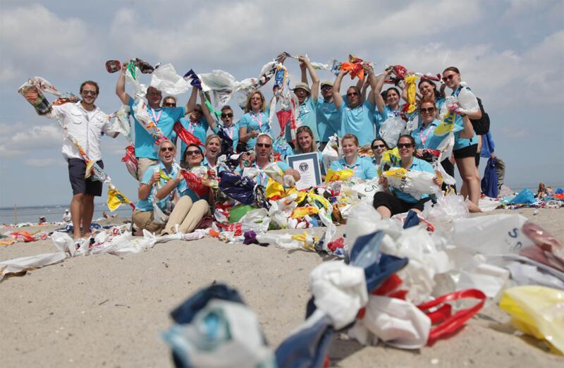 Bild zu Plastiktütenkette