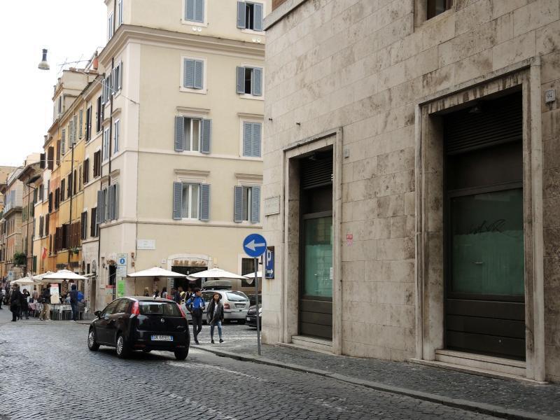 Bild zu Gerüchte um McDonald's-Filiale in Vatikan-Nähe