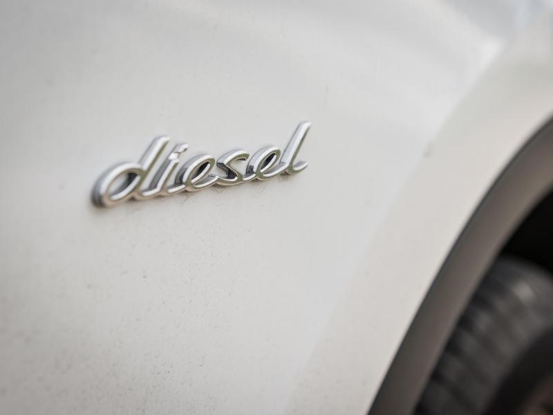 Bild zu Auto mit Dieselmotor