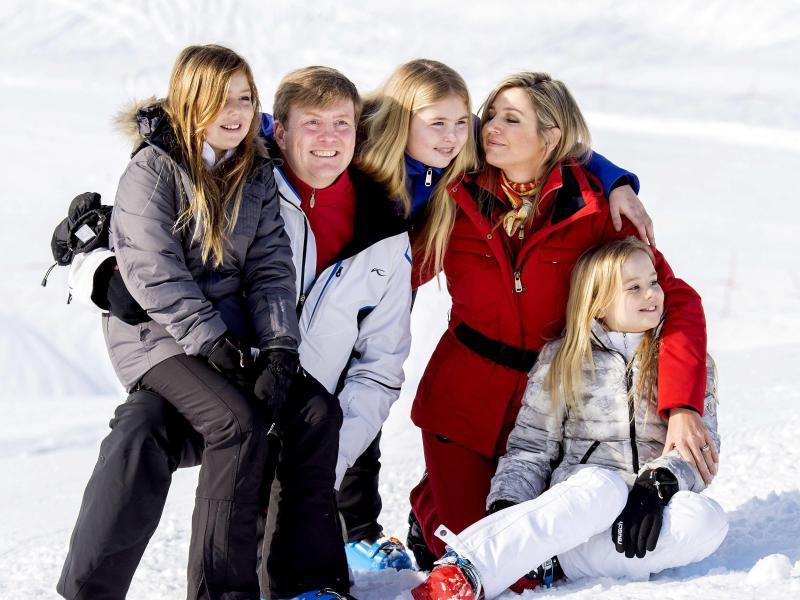 Bild zu Königsfamilie im Schnee
