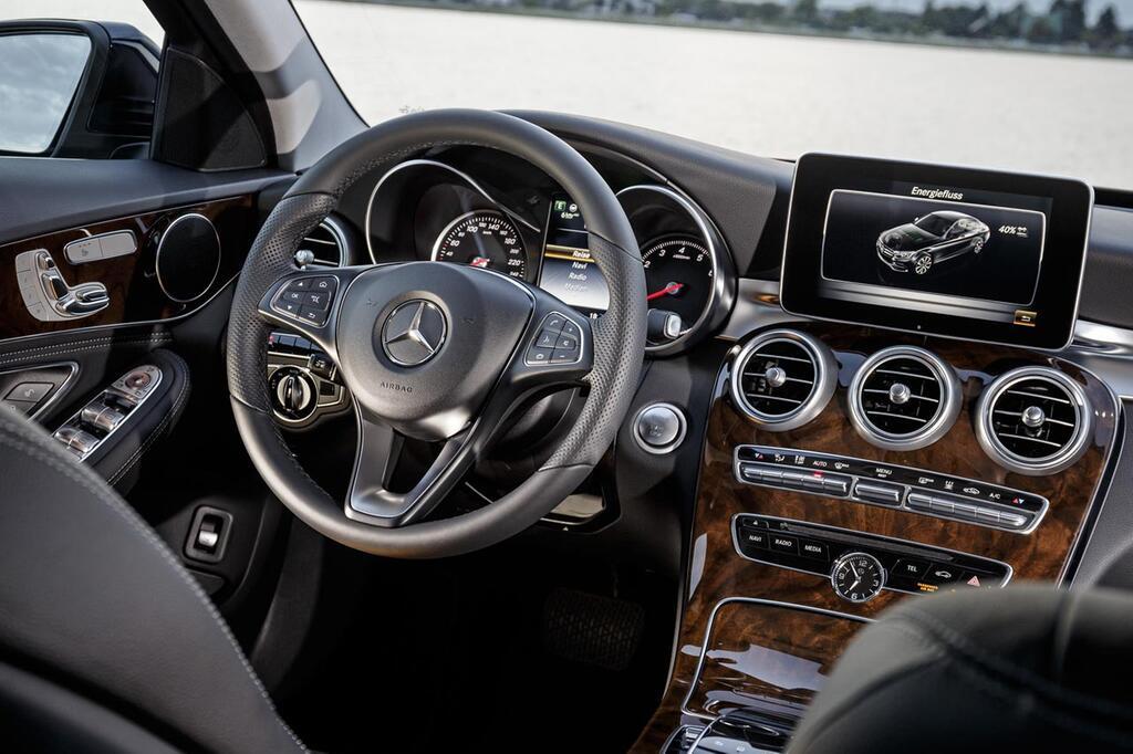 Interieur auto  Ausgezeichnete Cockpits: Die zehn besten Auto-Interieurs 2015 | WEB.DE