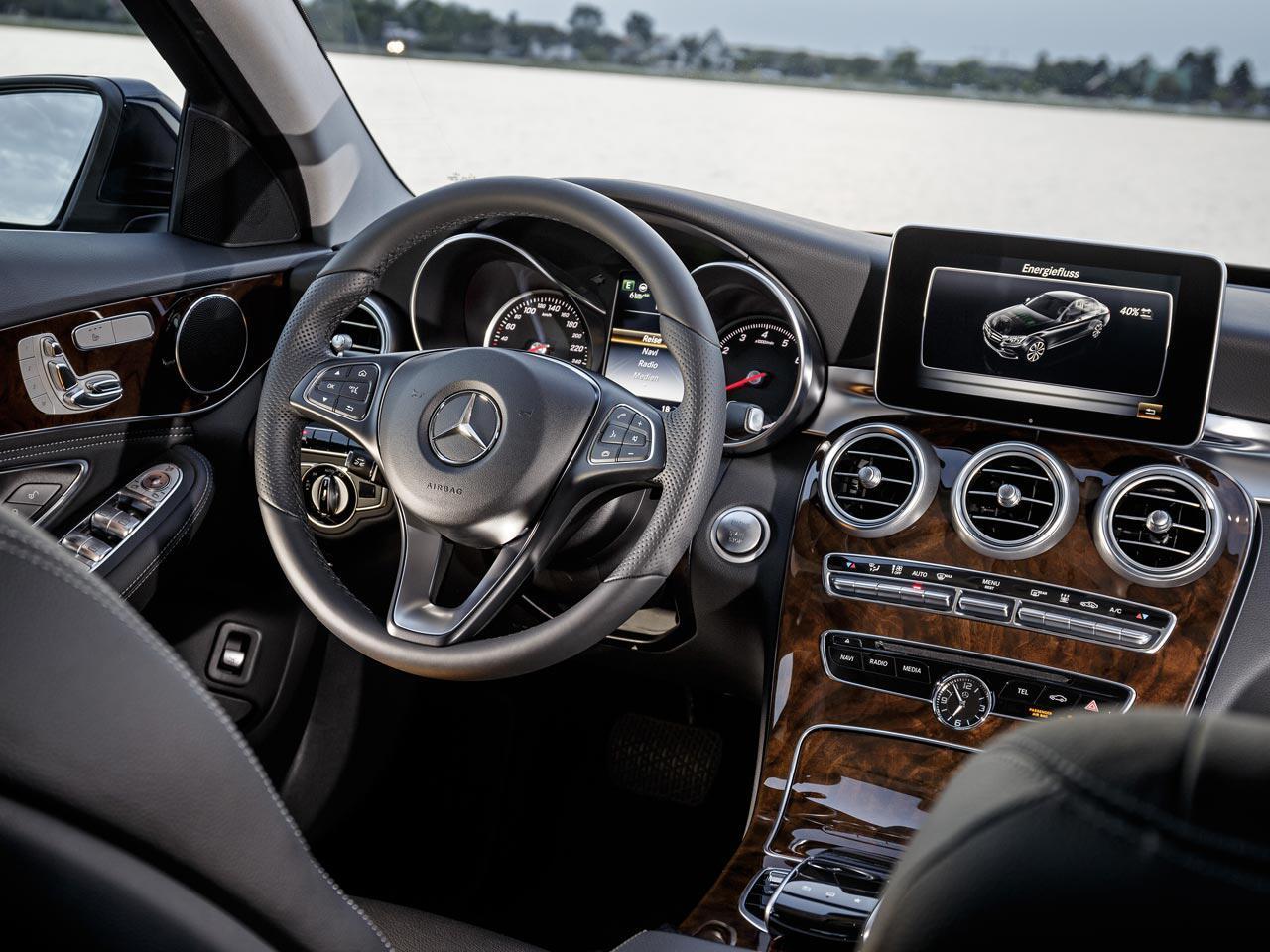 Bild zu Ausgezeichnete Cockpits: Die zehn besten Auto-Interieurs 2015