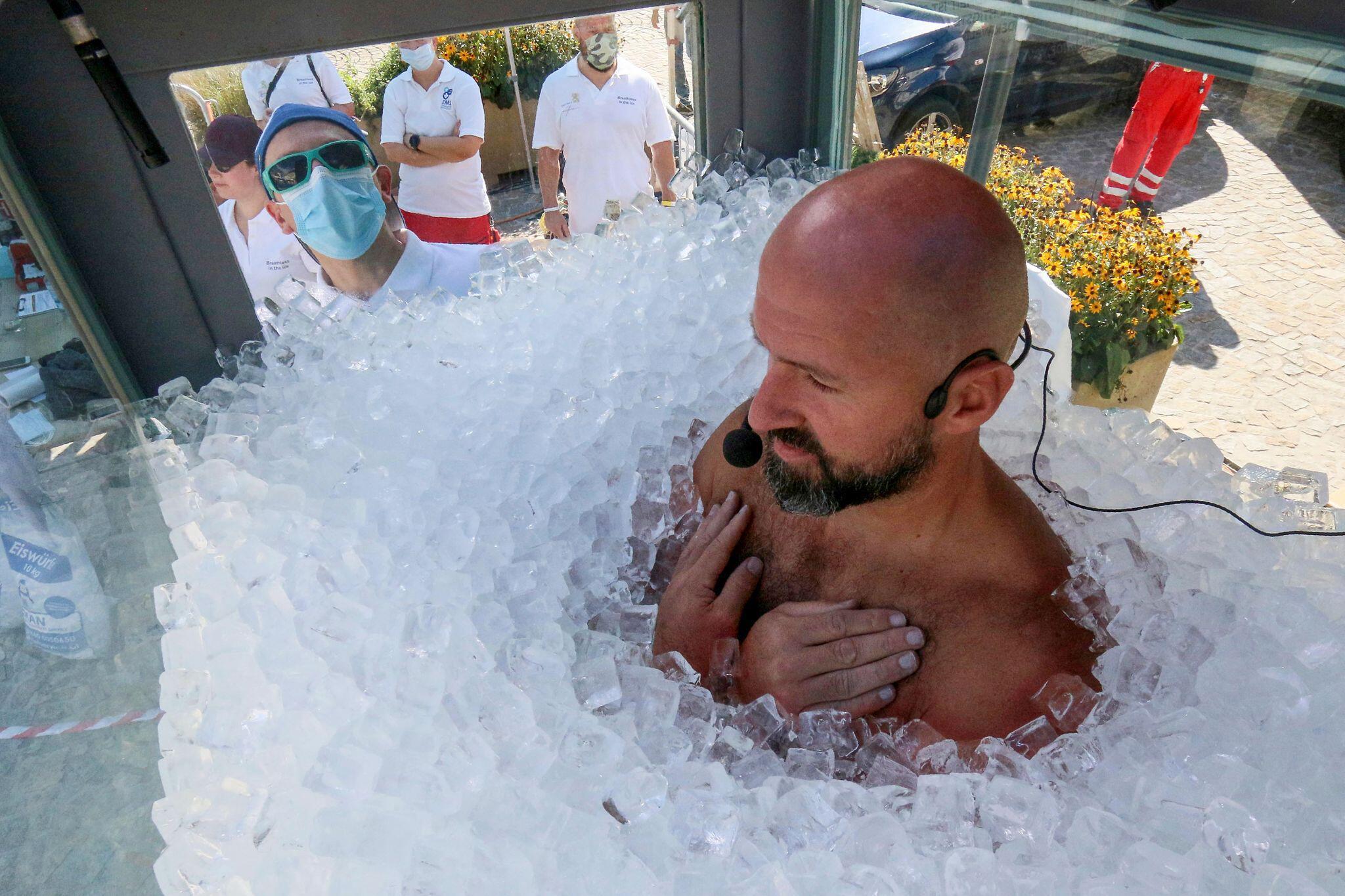 Bild zu Weltrekordversuch in Österreich